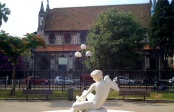Serene statue in front of the Anglican Church on rue de la Buffa in Nice