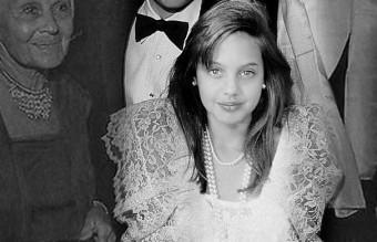 Angelina Jolie – 15 ans