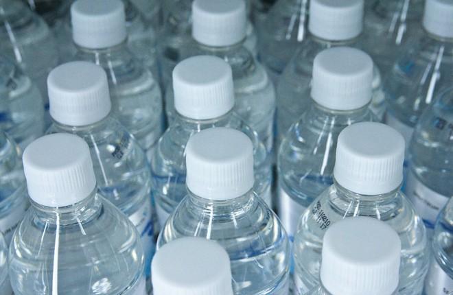 MAIN-vrazkata-mezhdu-plastmasovite-butilki-i-nasheto-zdrave