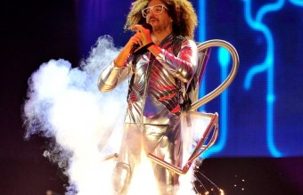 lmfaos-redfoo-on-stage-at-the-mtv-ema-2013-1384123764-view-0