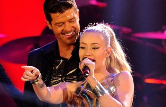 robin-thicke-and-iggy-azalea-perform-live-on-stage-at-the-mtv-emas-2013-1384118017-view-0