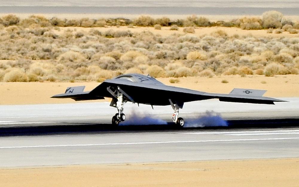X-47B-First-Flight-Landing
