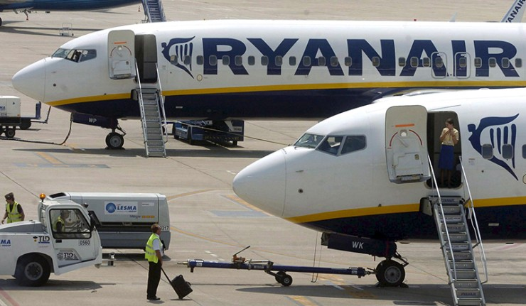 Ryanair shares down 11 per cent after profit warning