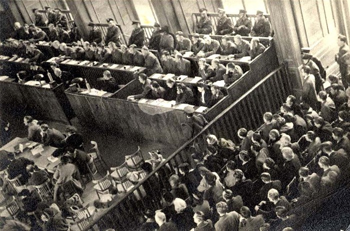 auschwitz_trials1b