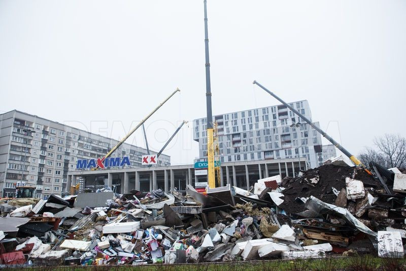 supermarket-roof-collapse-in-riga-latvia_3303353
