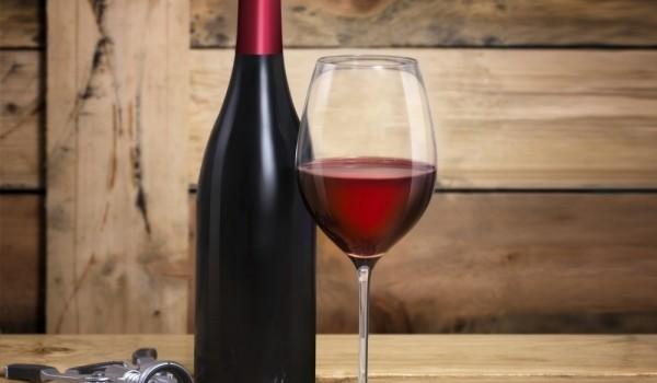 wine-butilka-chasha