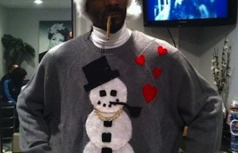 1-snoop-dog-celebrities-in-christmas-sweaters