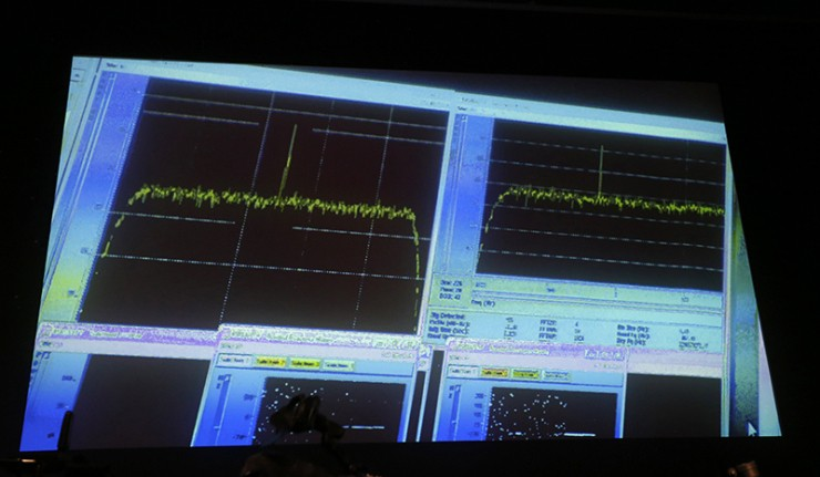 Comet-bound space probe sends message to Earth