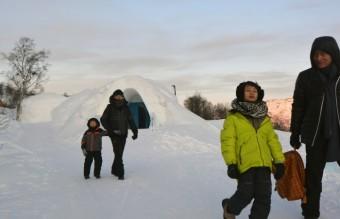 chinese_snowhotel_vistors