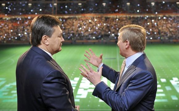 Ahmetov_i_Yanukovich__580_