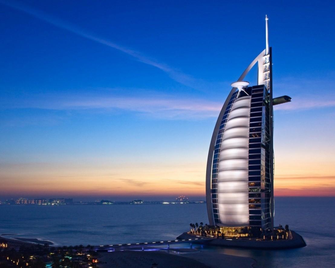 Burj-Al-Arab-Hotel-Dubai-United-Arab-Emirates-1024x1280