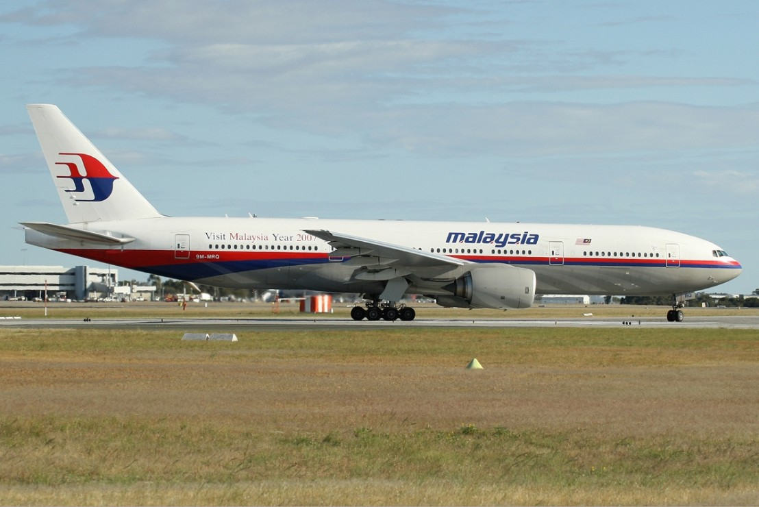 Malaysia_Airlines_Boeing_777-200ER_PER_Monty