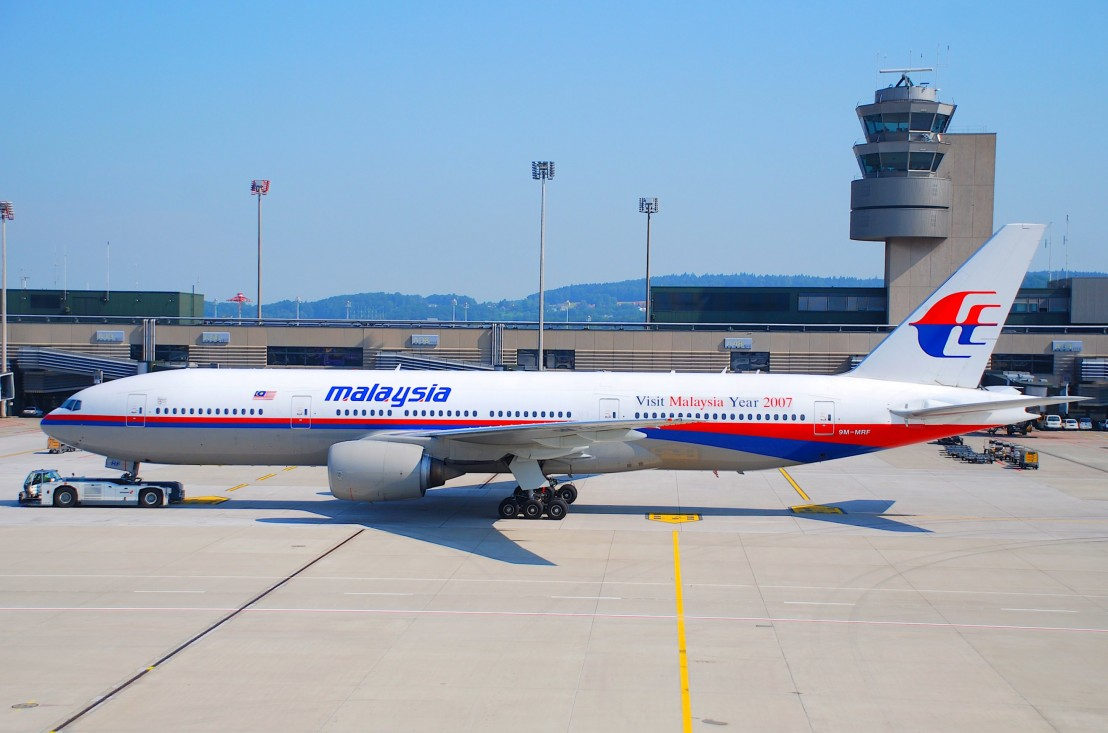Malaysia_Airlines_Boeing_777-2H6ER,_9M-MRF@ZRH,20.07.2007-479ba_-_Flickr_-_Aero_Icarus