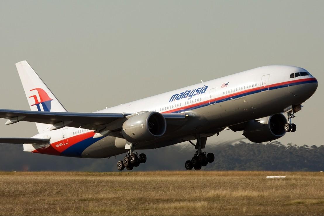 Malaysia_Airlines_Boeing_777-200ER_MEL_Nazarinia