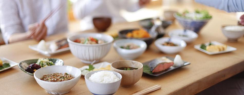 Здравословно-хранене-японска-кухня-от-и-за-сърцето-риба-ориз-и-броколи
