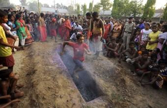 TOPSHOTS-INDIA-RELIGION-HINDU-GAJAN
