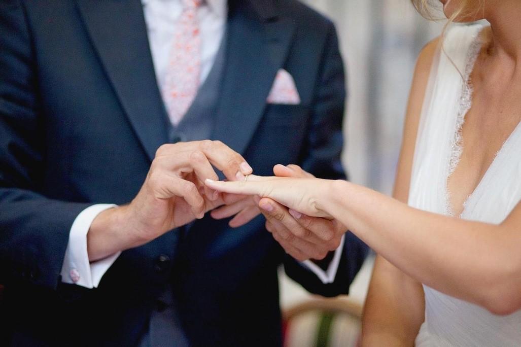 Le-mariage-une-institution-millenaire_article_popin