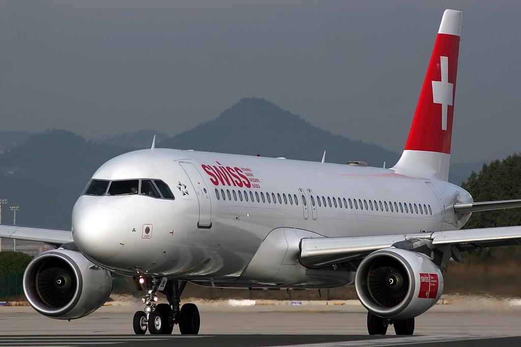 Airbus_A320-214_Swiss_HB-IJL