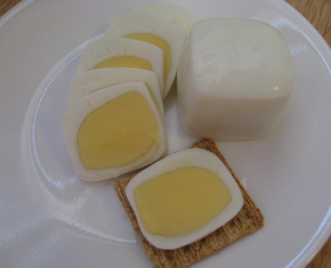Square-egg-with-sliced-egg