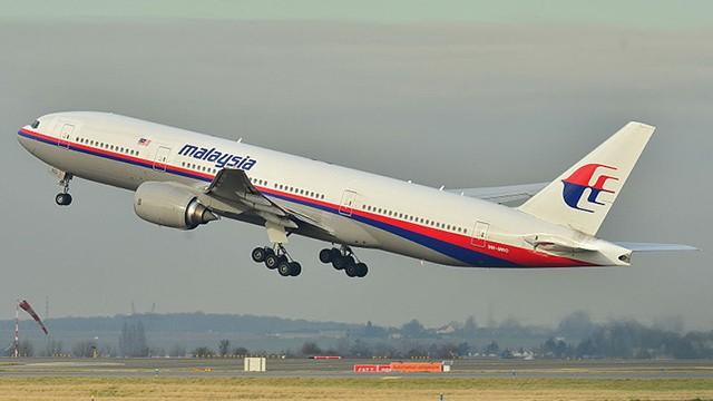 Boeing_777-200ER_Malaysia_AL_MAS_9M-MRO_-_MSN_28420_404_9272090094