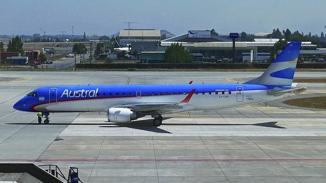 austral embraer santiago de chile airport