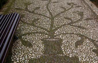 garden-pebble-stone-paths-14