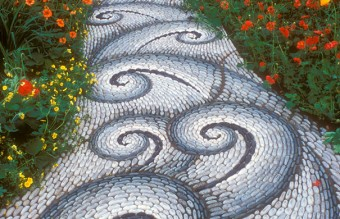 garden-pebble-stone-paths-3