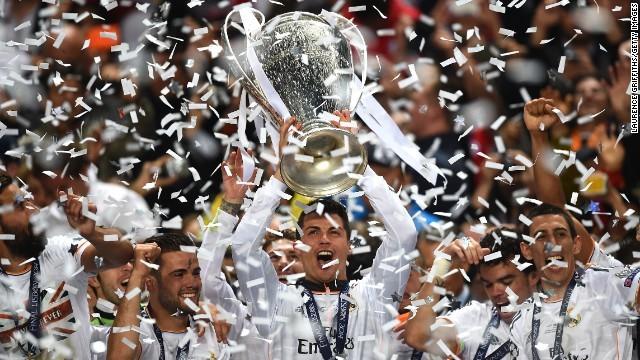 Ronaldo-Real Madrid-Champions-League-trophy