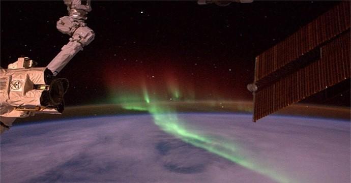 auroras-03-140905