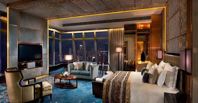 rchk_ritz-carlton_suite_bedroom_2-1