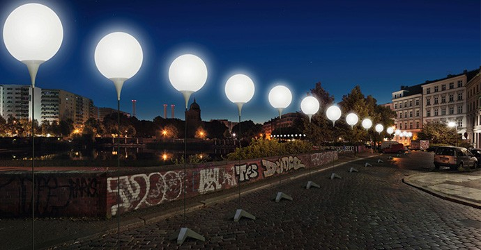 glowing-balloons-divide-berlin-25-years-fall-of-the-wall-designboom-06