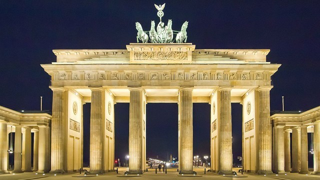 Brandenburg_Gate_Berlin-640-640x360