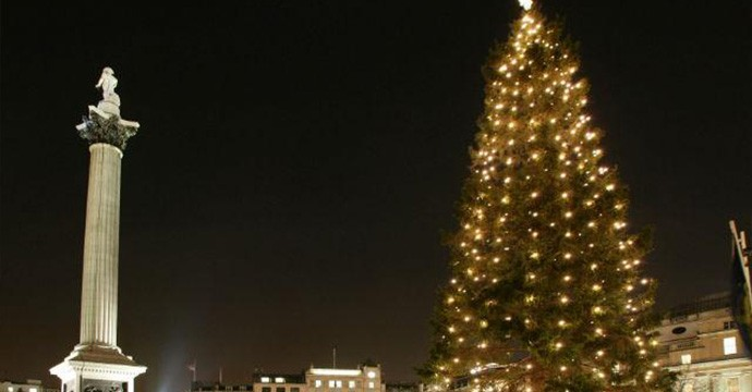 christmas-carols-2014-in-trafalgar-square-593f8e2eb2caf72fe8489d4d58e5a882