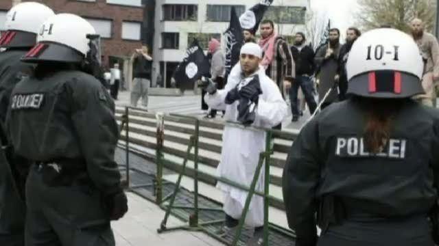 503-screenshot-propagandavideo-in-reih-und-glied