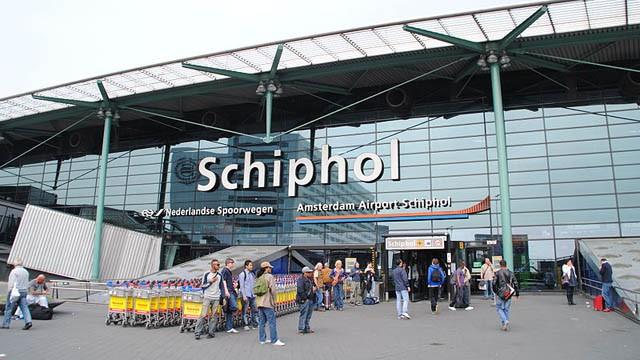 Airport-Amsterdam-jpg