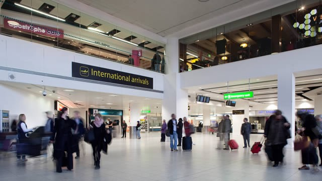 65605-640x360-gatwick-airport-arrivals-640