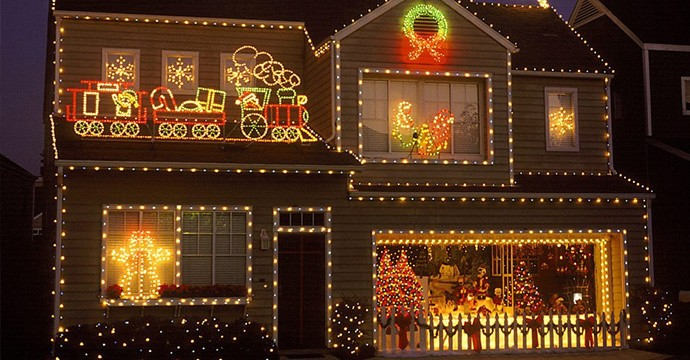outdoor-christmas-house-lights-ideas-940x705