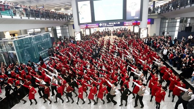 Cathay Pacific - HKIA 2013 flashmob