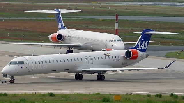 Canadair_CL-600-2D24_Regional_Jet_CRJ-900,_Scandinavian_Airlines_-_SAS