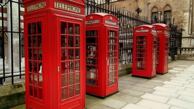 phone_boxes_in_carey_street_london_sep_2011_x6173473044x.jpg_2002894772