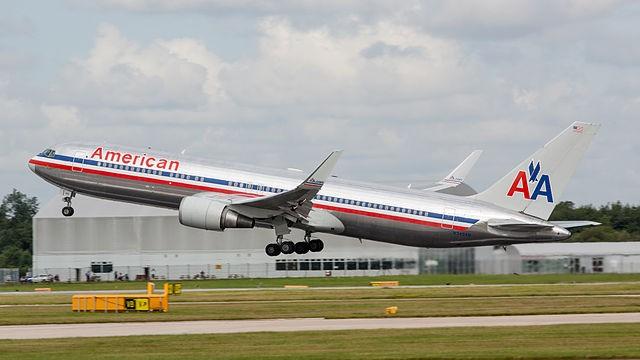N354AN_American_Airlines_B767_(9615283463)
