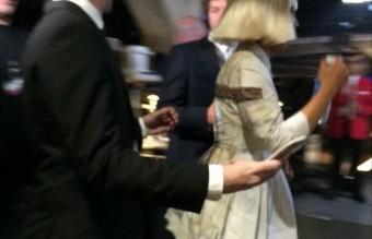 Sia, която не показва лицето си, защото не иска да е известна