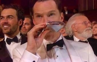 Шегата с Бенедикт Къмбърбач относно забравана за пиене на алкохол и консумирането на храна по време на наградите.