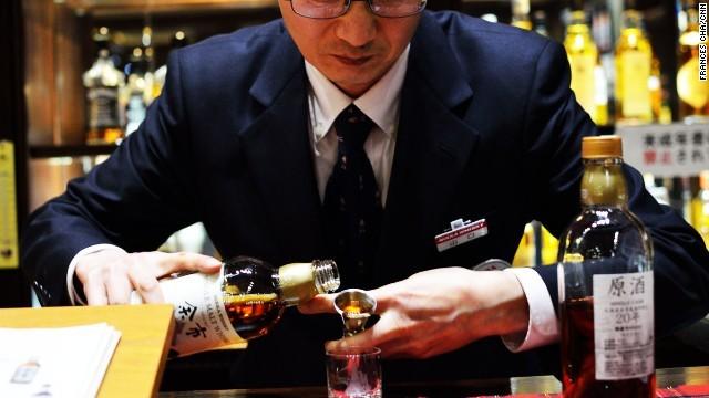 140324171441-japan-whiskey-nikka-bar-story-top