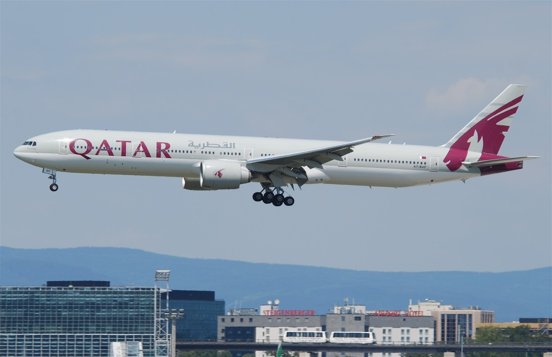 Qatar_Airways_Boeing_777-300ER;_A7-BAF@FRA;16.07.2011_609gt_(6190539010)
