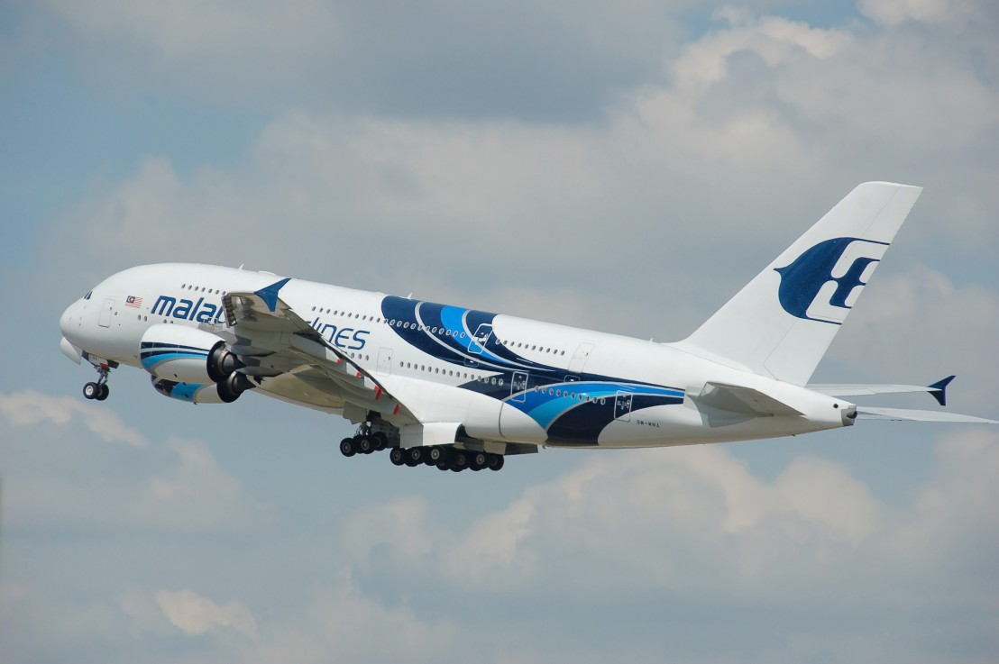 Malaysia_Airlines_Airbus_A380-800_(9M-MNA)_departs_London_Heathrow_Airport_2ndJuly2014_arp