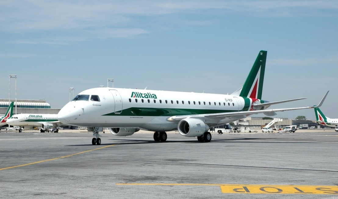 Alitalia-Embraer-E-175