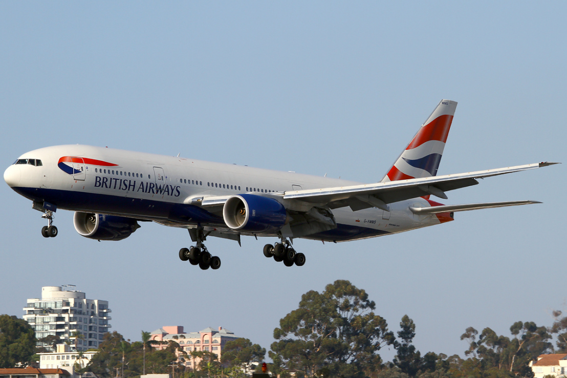 British_Airways_Boeing_777-200ER_G-YMMS_SAN_2011-7-28