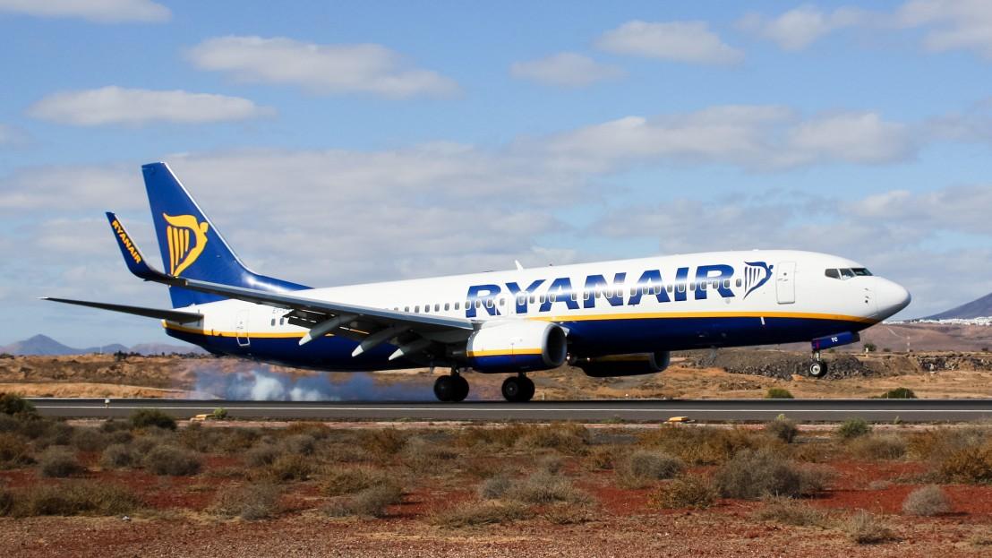Ryanair_B737-800_EI-DYC