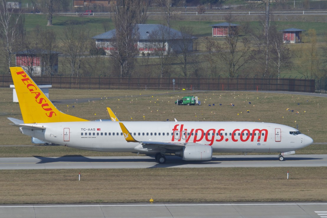 Pegasus_Airlines_Boeing_737-800;_TC-AAS@ZRH;14.03.2012_644be_(7002518085)